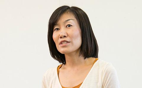 DeNAライフサイエンスの北村実穂子の横を向いている画像