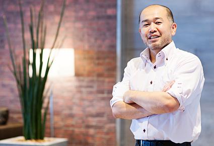 右田祐治さんの正面を向いている写真